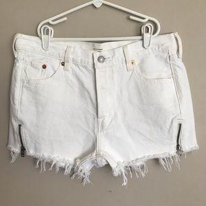 Levi's | White 501 Altered Shorts
